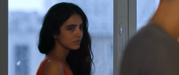 Hafsia Herzi dans son film Tu mérites un amour