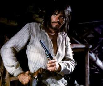 Tomas Milian dans le rôle de Cuchillo dans Colorado