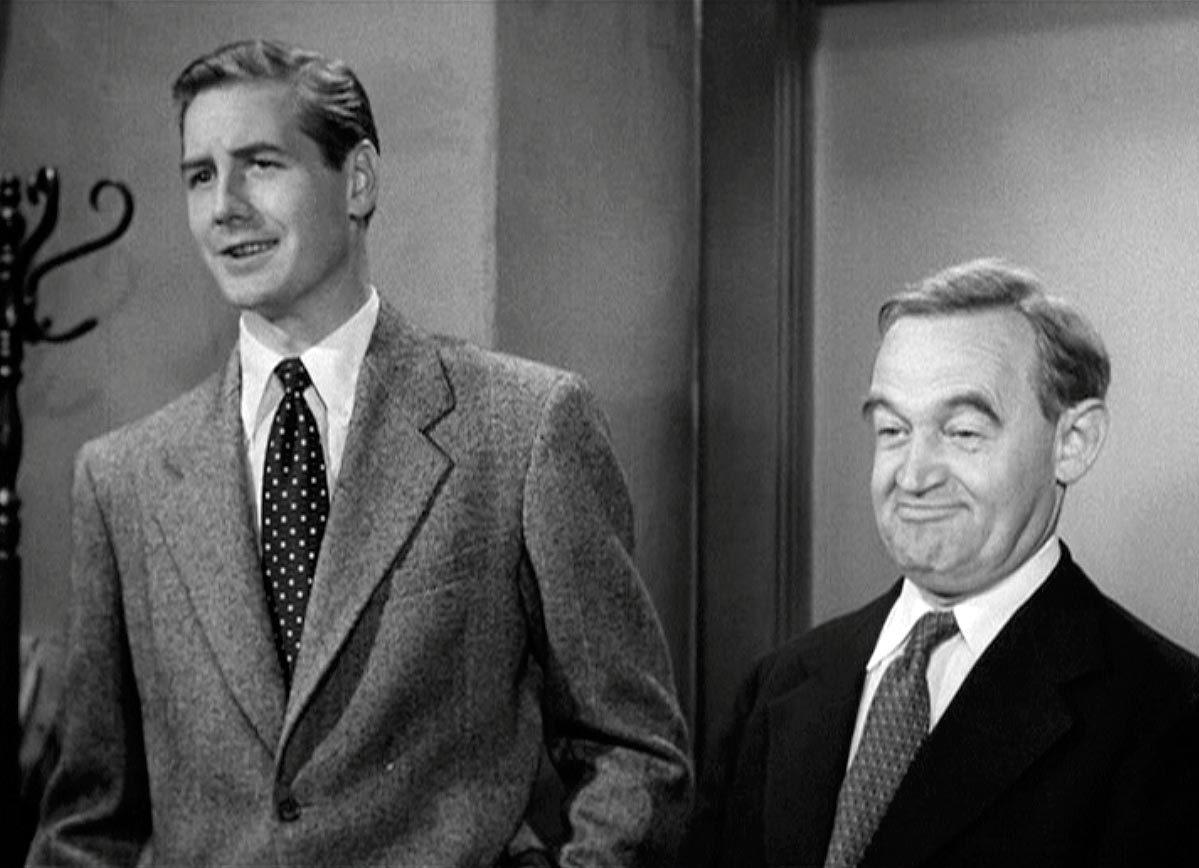 Don Taylor et Barry Fitzgerald dans La Cité sans voiles
