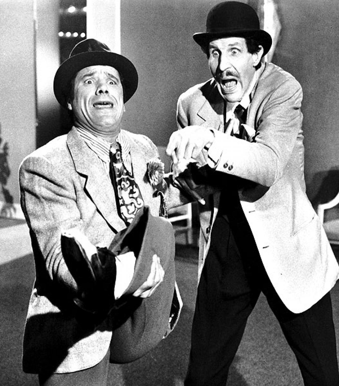 Franco et Ciccio dans L'espion qui vient du surgelé : l'art de la grimace et du n'importe quoi