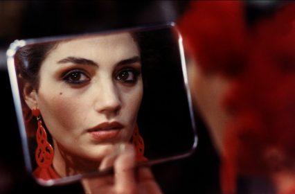 Angela Molina dans Cet obscur objet du désir de Luis Bunuel
