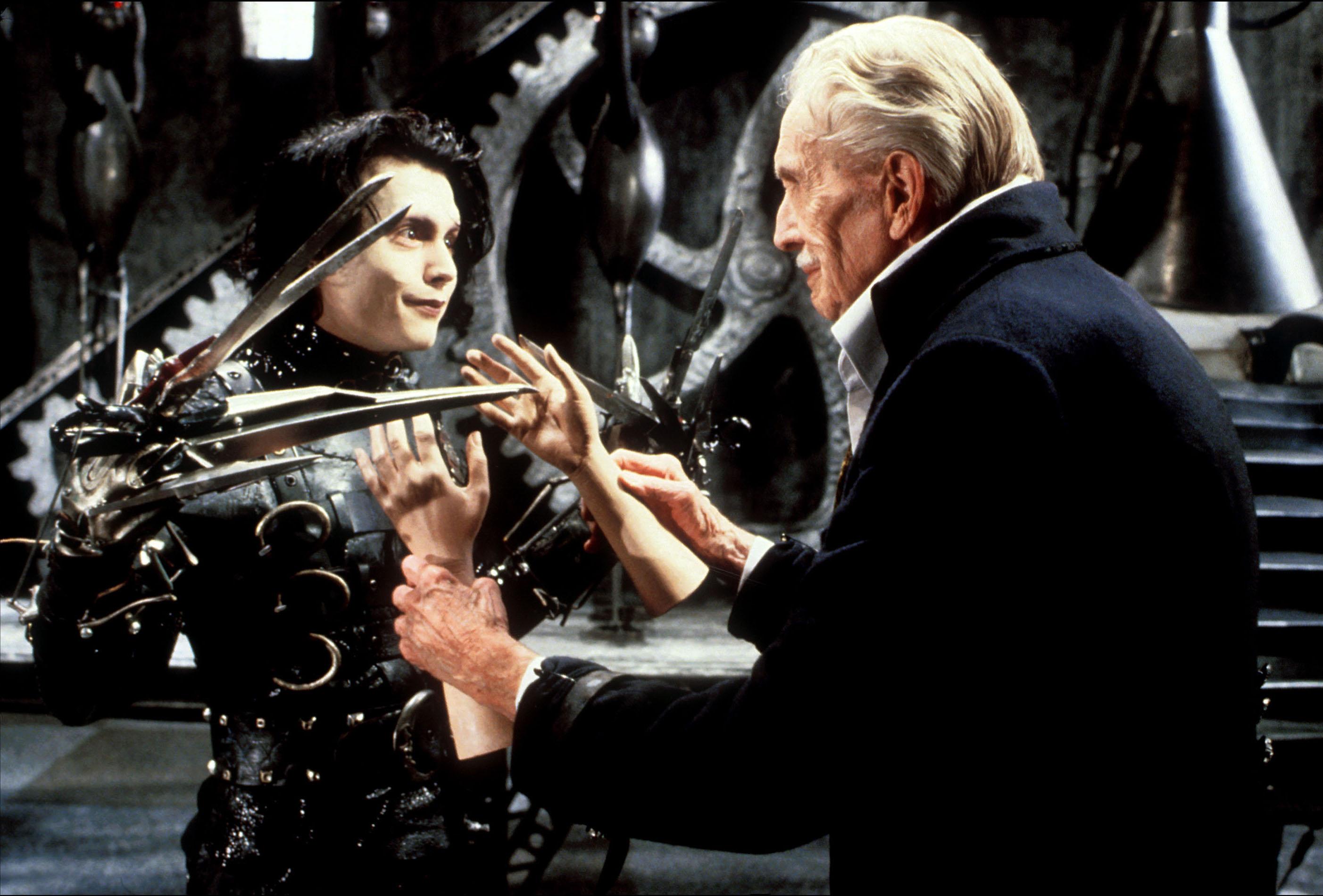 Johnny Depp et Vincent Price dans Edward aux mains d'argent de Tim Burton