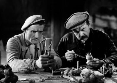 Robert Le Vigan et Fernand Ledoux dans Goupi mains rouges
