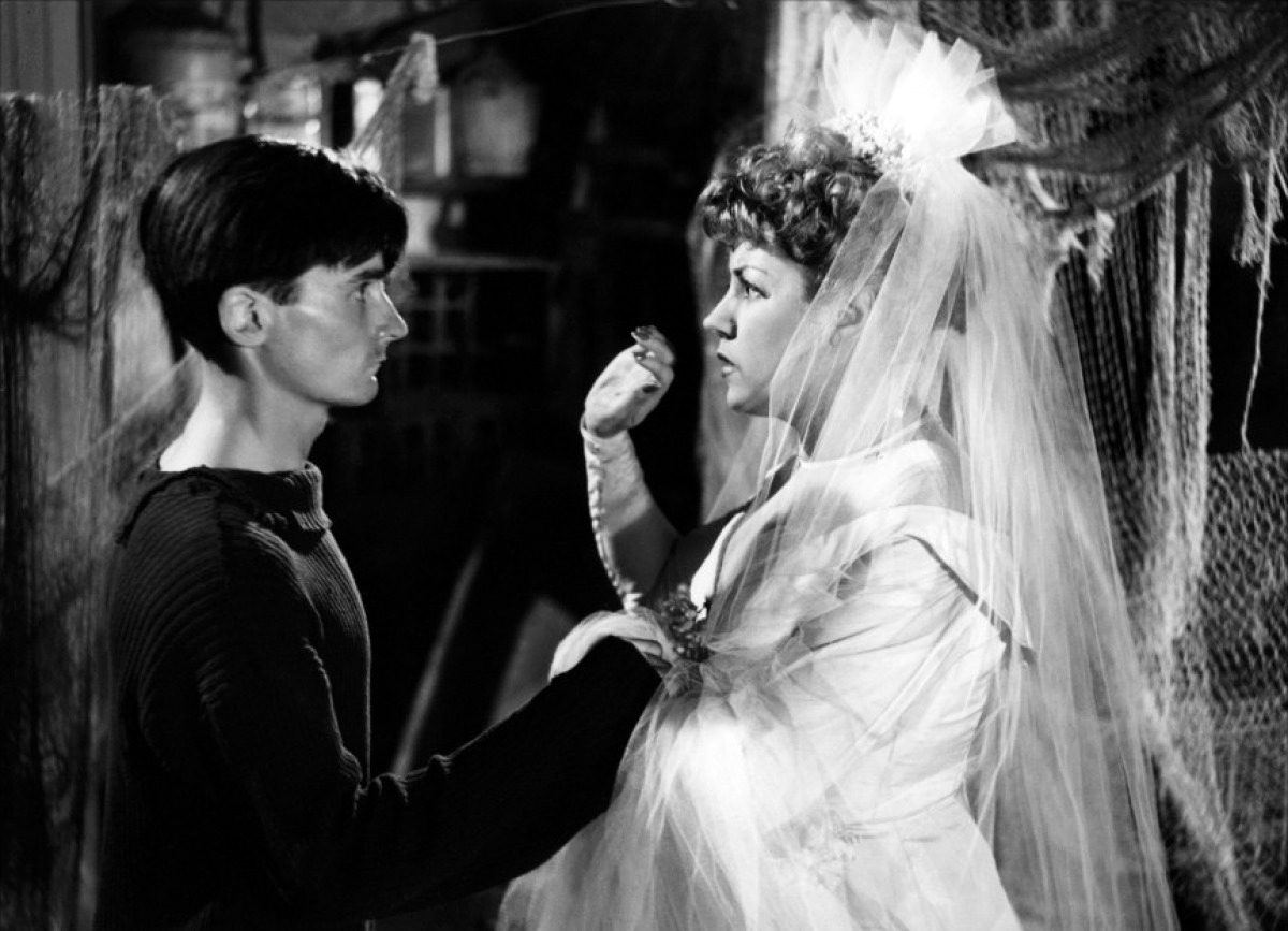 Michel Bouquet et Suzy Delair dans Pattes blanches de Jean Grémillon