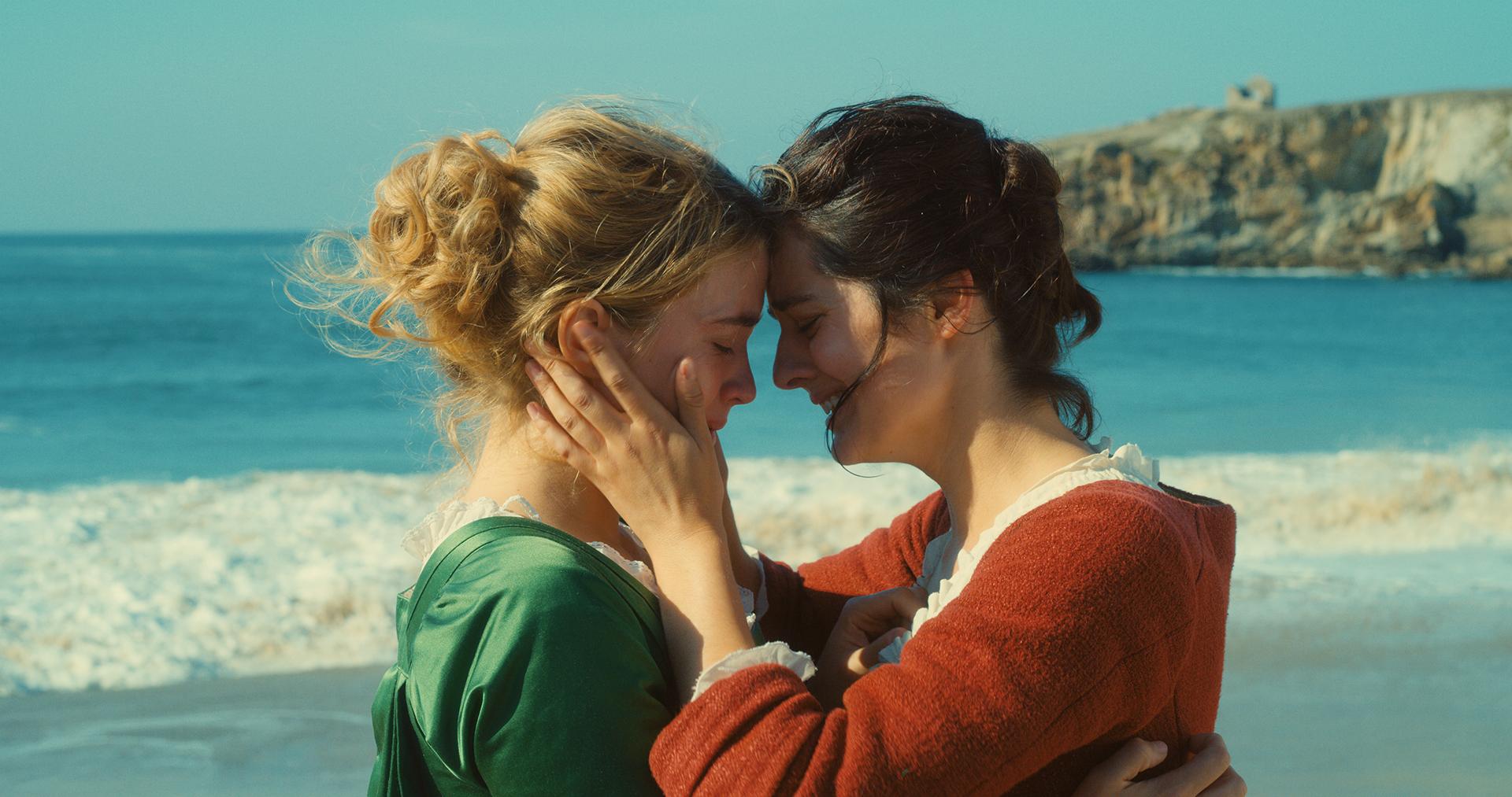 Adèle Haenel et Noémie Merlant dans Portrait de la jeune fille en feu de Céline Sciamma