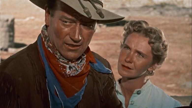 John Wayne et Geraldine Page dans Hondo, l'homme du désert de John Farrow