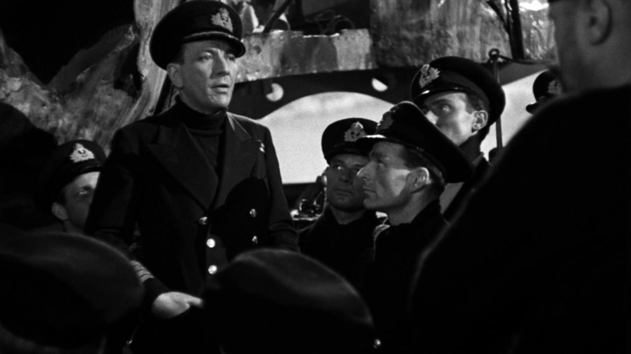 Noel Coward dans Ceux qui servent en mer