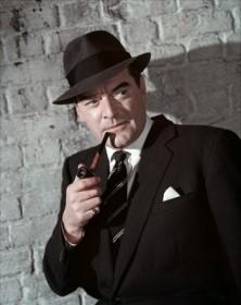 Jack Hawkins dans Inspecteur de service