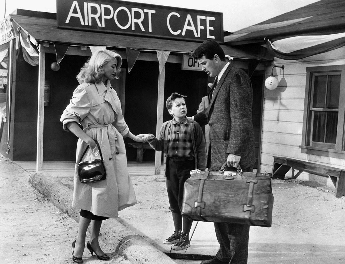 Dorothy Malone et Rock Hudson dans La Ronde de l'aube