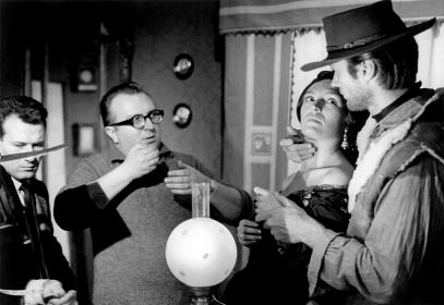 Sergio Leone et Clint Eastwood sur le tournage de Pour une poignée de dollars