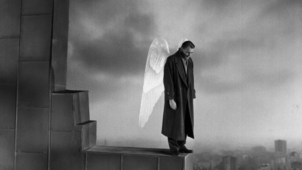 Bruno Ganz dans Les Ailes du désir de Wim Wenders