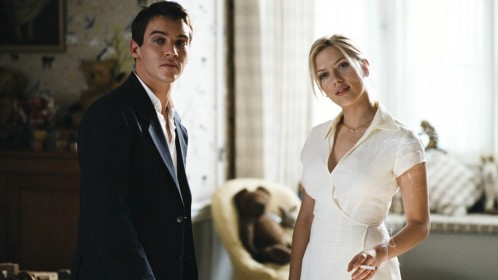 Jonathan Rhys Meyers et Scarlett Johansson dans Match Point