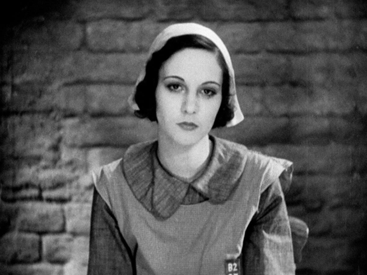 Nora Baring dans Meurtre de Alfred Hitchcock