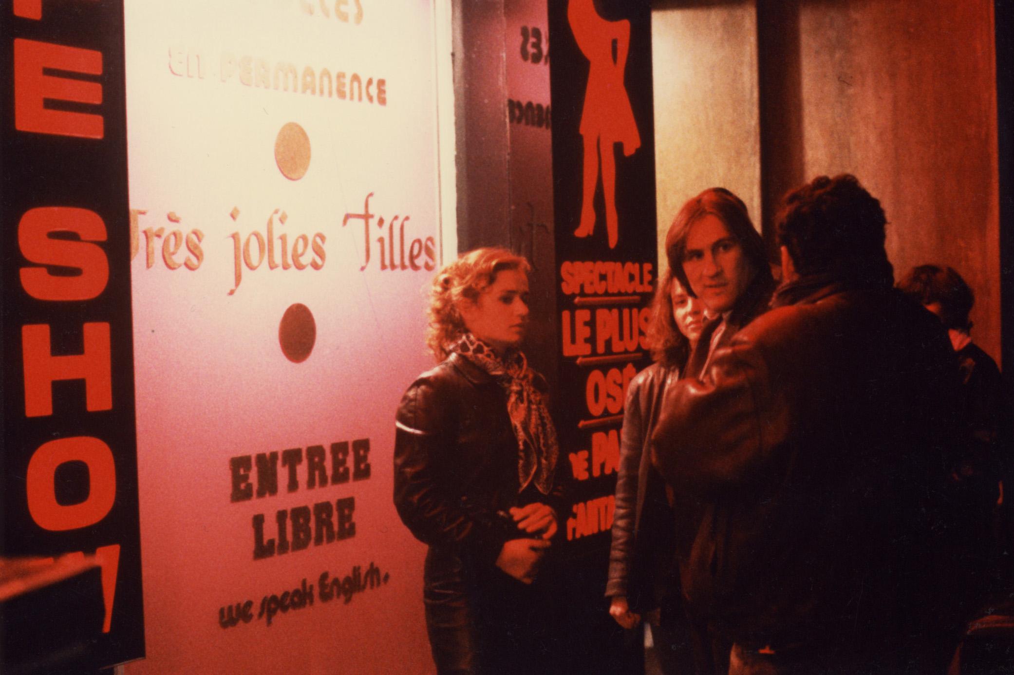 Sandrine Bonnaire et Gérard Depardieu dans Police