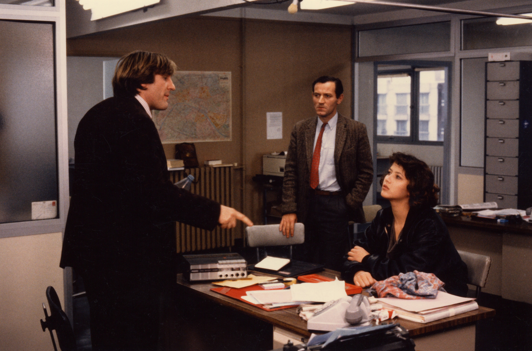 Gérard Depardieu, Jacques Mathou et Sophie Marceau dans Police