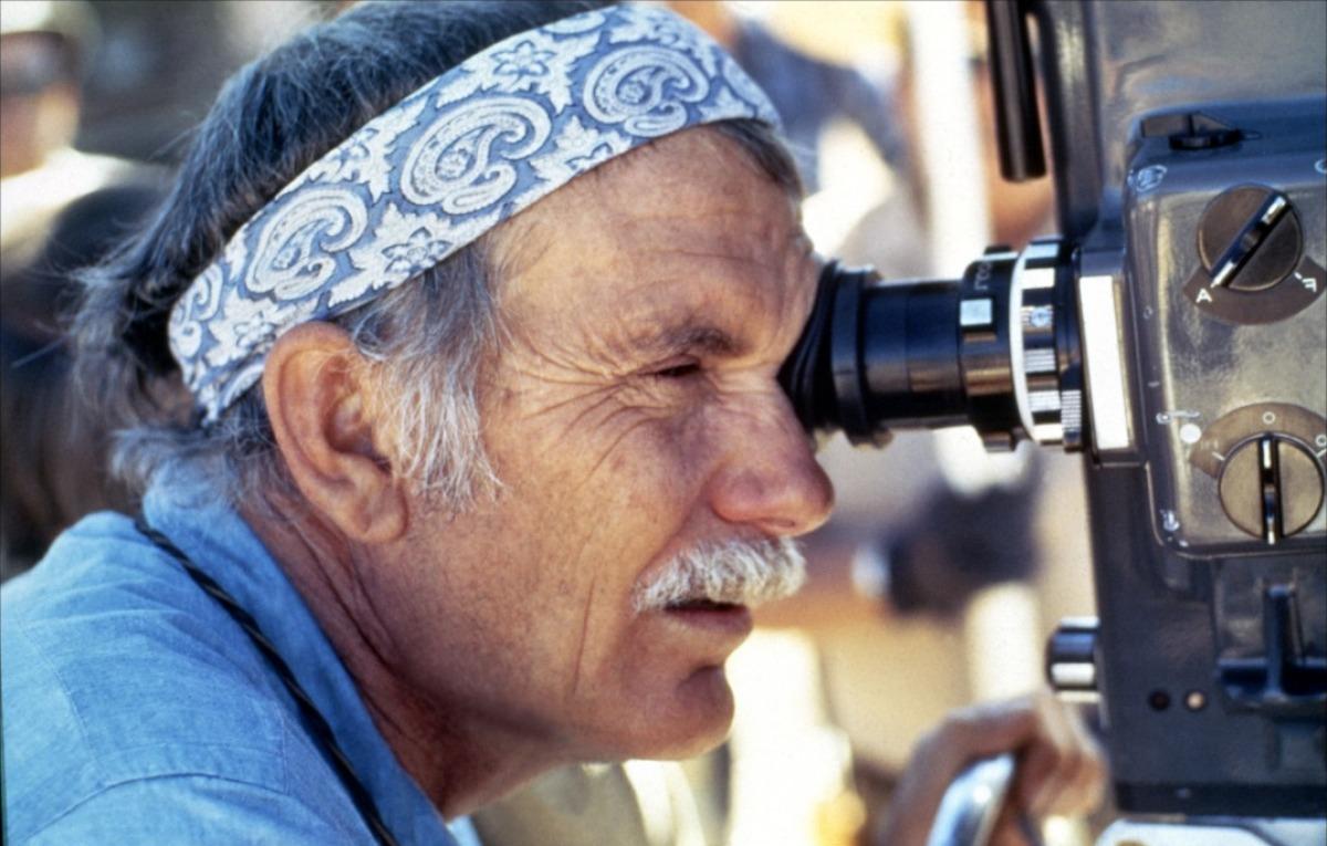 Sam Peckinpah (1924-1985) sur le tournage de Croix de fer en 1977