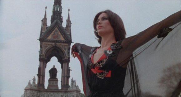 Cristina Raines dans La Sentinelle des maudits de Michael Winner