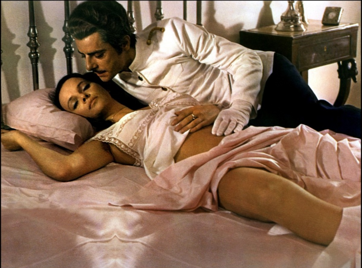 Laura Antonelli et Giancarlo Giannini dans sexe fou