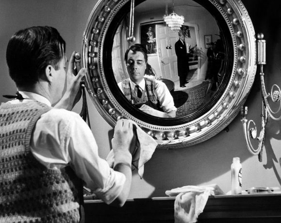 Dirk Bogarde dans The Servant de Joseph Losey