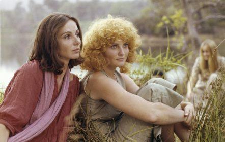 Thérès Lyotard et Valérie Mairesse dans L'une chante, l'autre pas d'Agnès Varda