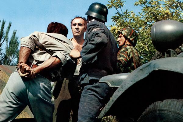 Michel Piccoli dans Un homme de trop de Costa-Gavras